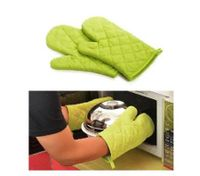Green Hot and skid Resistant Oven Mitt Protect Glove