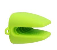 Green Cute Silicone Heat-resistant Kitchen Oven Baking Glove Pot Mitt Tool Holder
